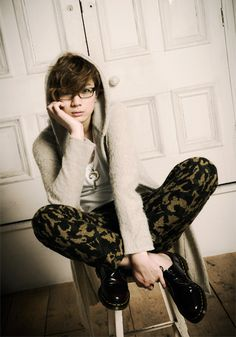 Welcome Takuya Eguchi, the mangaka Voice Actor, Actors & Actresses, The Voice, Rapper, Harem Pants, Romance, Hipster, Singer, Poses