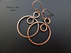 Copper hoop earrings / copper jewelry / wire por PillarOfSaltStudio