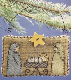 Nativity Quilt Ornament with felt and burlap.  Click for the tutorial.