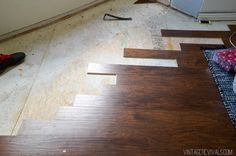 How to feather in click flooring