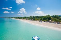 Overheard view of the famed 7-mile beach in Negril, Jamaica.