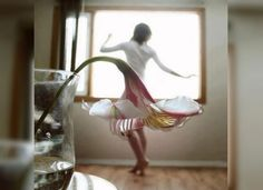 15 Most Creative Forced Perspective Pictures - Flower Skirt - This picture is almost like a dream, girls everywhere would envy a dress that was actually a flower. Flower Skirt, Flower Dresses, Creative Photography, Art Photography, Flower Photography, Inspiring Photography, Whimsical Photography, Romantic Photography, Artistic Photography