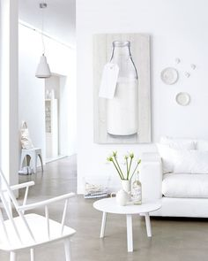http://decordots.com/wp-content/uploads/2013/03/white-living-room-with-white-accessories1.jpg