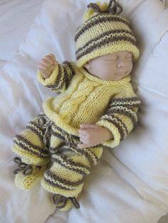 ensemble tricot fait main bébé reborn, corolle, ancienne poupée, collin gégé,
