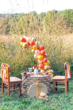 Check out this magical Fall garden picnic! The table settings are wonderful!  See more party ideas and share yours at CatchMyParty.com #catchmyparty #partyideas #fallpicnic #fall #fallparty #gardenparty Fall Picnic, Garden Picnic, Thanksgiving Banner, Thanksgiving Parties, Baby Shower Fall, Fall Baby, Fabric Garland, Balloon Garland, Party Stores