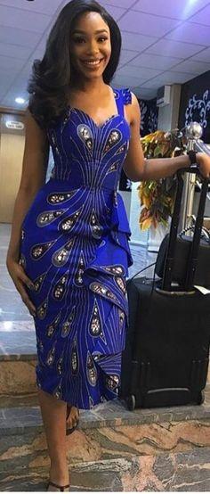 Ankara Mode Kleid afrikanische Mode Ankara Kitenge afrikanische Frauen Kleider A African Fashion Ankara, African Fashion Designers, Ghanaian Fashion, African Inspired Fashion, African Print Fashion, Africa Fashion, Nigerian Fashion, African Dresses For Women, African Print Dresses