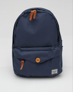 saw two girls walk in front of me that had this backpack. i knew it was an expensive one -.-