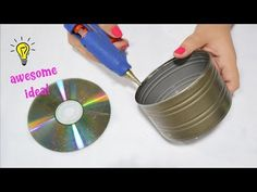 Today I will show you the Best Reuse Idea With Tin Can and CD How To Reuse Tin Can And CD. This diy is a cute organizer th Recycled Cds, Recycled Tin Cans, Recycled Home Decor, Recycled Crafts, Tin Can Crafts, Diy Crafts, Craft From Waste Material, Cd Diy, Old Cds
