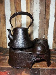 Antique Mt Fuji Japanese Tea Pot Ceremonial Iron Tetsubin TeaPot Kettle w/Stand