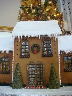 Gingerbread House (Front View) — Gingerbread Houses