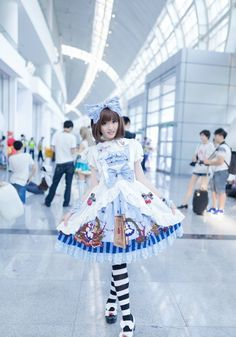Chinese Alice wore ★♡Ⓐ~Infanta Alice Story JSK~★♡Ⓐ at a convention [Source: weibo•com/hx883 ||| Model: weibo•com/kura671]