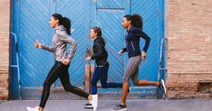 How Millennials' Love Of Community Is Driving The Fitness Class Culture - mindbodygreen Stomach Muscles, Core Muscles, Running Challenge, Workout Challenge, Massage Amma, Fitness Herausforderungen, Fitness Workouts, Health Fitness, Figured You Out