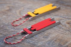 Just in time for Christmas, learn how to make a DIY wooden popsicle stick sled ornament with craft sticks, glue, and paint. This simple holiday craft for kids is perfect for home or school! #sled #ornament Popsicle Crafts, Craft Stick Crafts, Craft Sticks, Christmas Tea, Miniature Christmas, Homemade Christmas, Snowman Ornaments, Ornament Crafts, Diy Christmas Ornaments