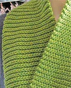 Eva's Ribs Scarf: Slip Stitch Crochet and yet it looks as if it was knit!