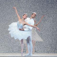 San Francisco Ballet's Frances Chung and Jaime Garcia Castilla in Helgi Tomasson's 2004 'Nutcracker'. Photo: © Erik Tomasson.