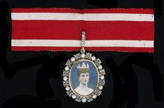 Badge for a Woman of the Bedchamber to Her Majesty Queen Alexandra, presented to The Honourable Lady Mary Hardinge