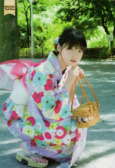 Yurina Hirate Seishun Domannaka on Shonen Champion Magazine Beautiful Japanese Girl, Japanese Beauty, Asian Beauty, Japanese Costume, Japanese Kimono, Geisha Art, Champion, Yukata Kimono, Summer Kimono