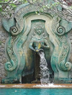 I LOVE EVERYTHING ABOUT THIS PHOTO. Statue, Koh Phi Phi Don, Thailand