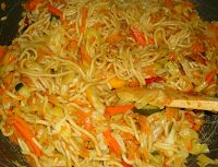 Chow Mein, Chow Chow, Egg Foo Young, Pitta, Chinese Food, Chutney, Stir Fry, Fries, Chicken Recipes