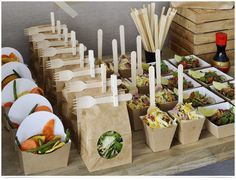 New wedding food truck catering parties Ideas Salads To Go, Snacks Für Party, Party Salads, Salad Bar Party, Sushi Party, Diy Snacks, Party Games, Brunch Buffet, Party Buffet