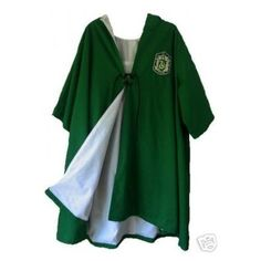Slytherin Quidditch Robe harry potter costume new adult ❤ liked on Polyvore featuring costumes, harry potter, slytherin, green costumes, green halloween costumes, adult halloween costumes, harry potter adult costume and harry potter halloween costumes