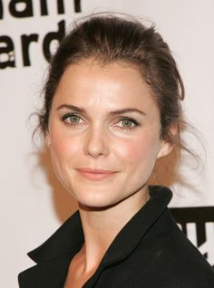 Check out pictures of actress Keri Russell hair and hairstyles. Keri Russell is famous for her role as the title character in the television series Felicity. Keri Russell has curly, highlighted hair. Beauty Book, My Beauty, Beauty Hacks, Hair Beauty, Beauty Style, Minimal Makeup, Simple Makeup, Natural Makeup, Soft Makeup