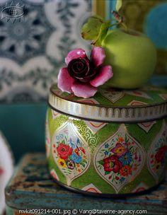 I love vintage tins!