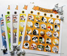 Heres a fabulous game for your home or school Halloween parties. Halloween Bingo is a fun game for any age. You get 15 unique Bingo sheets in Comida De Halloween Ideas, Classroom Halloween Party, Halloween Games For Kids, Kids Party Games, Halloween Birthday, Halloween Activities, Halloween Crafts, Game Party, Halloween Parties