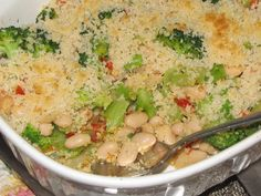 Pinch of Lime: Bean and Broccoli Casserole. Super healthy side dish that's easy to make and a nice twist on your standard beans and vegetables.