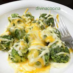 Esta receta de albóndigas de espinacas con queso es una forma diferente y divertida de preparar esta verdura. La elaboración es muy sencilla.