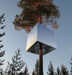 THE MIRRORCUBE TREE HOUSE-HOTEL IN SWEDEN