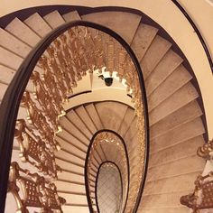 I have a thing with old staircases.... #love #oldbuildings #staircase #architecture #wien #vienna