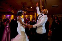 #Maritalbliss. Loving this moment from #bride Sasha & her hubby Donald's wedding coordinated by #munacoterie member @prestigeaffairs & photographed by fellow #coterie member @qephotos! Head to the blog now for more from this #spritiual pink & #purple wedding! #munaluchibride #munaluchi #love #weddings #dancefloor #NYbrides #blacklove