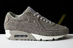 In time for Holiday 2011 Nike will be releasing a tweed version of the popular new Air Max 90 VT. Using their new technology, that provides seamless uppers to their sneakers, the iconic running shoe is entirely covered in the … Nike Free Shoes, Nike Shoes Outlet, Running Shoes Nike, Running Sneakers, Nike Air Max, Air Max 90, Cute Shoes, Me Too Shoes, Urban Look