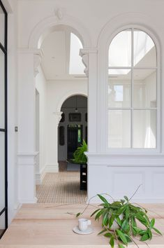 Old House, New Tricks: See How 3 Gorgeous Old Houses Were Outfitted for a New Century — Past Meets Future Architecture Details, Interior Architecture, Interior And Exterior, Interior Design, Interior Windows, Classical Architecture, Hecker Guthrie, Home Renovation, Old Houses
