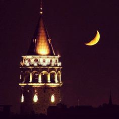 Galata Tower and the Crescent (by Eren)