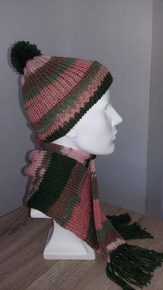 Ensemble en laine  Bonnet à pompon et Echarpe à franges par DIPITA