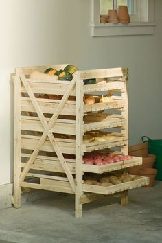 Orchard Rack - Vegetable Storage - Wood Storage Rack make this out of a pallet Diy Pallet Projects, Home Projects, Woodworking Projects, Upcycling Projects, Woodworking Plans, Pallet Crafts, Woodworking Magazine, Vegetable Storage Rack, Produce Storage