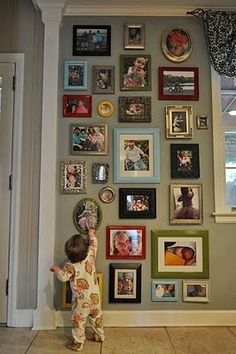 The Best DIY and Decor: Fun Photo Wall