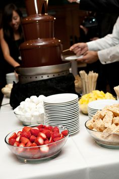One of my favorite ideas. Chocolate fondue fountain instead of cake. Chocolate Fountain Recipes, Chocolate Fountains, Chocolate Fountain Wedding, Dessert Bars, Dessert Table, Fondue Fountain, Wedding Trends, Wedding Ideas, Wedding 2015