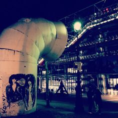 Streetart in Centre Pompidou, Paris