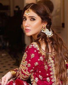 Space Drawings, Mahira Khan, Braided Hairstyles, Braids, Drop Earrings, Makeup, Weddings, How To Wear, Beautiful