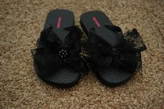 Pretty Little Bow Flip Flops DIY.. Making these for Mari