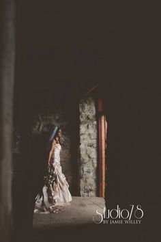 Wedding photography, beautiful vintage bride photo by Jamie Willey at Studio 78
