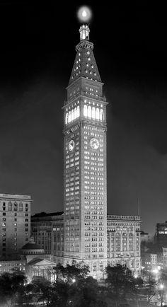 Edificio Metropolitan Life Insurance en la noche. Nueva York, 1910. Shorpy