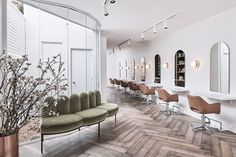 The Refined Boho Salon Look. Our salon furniture collections will give you inspiration on how to achieve the perfect salon interior design. Luxe Hair Salon, Beauty Salon Interior, Salon Interior Design, Salon Design, Salon Chairs, Salon Furniture, Home Decor, Minimalist, Salons Decor