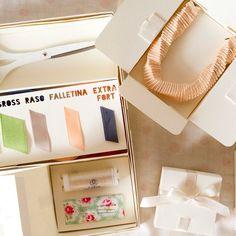 """Y así es como la excelencia aparece en un packaging... Foto de @dobleufa desde su galería en Instagram: """"#sneakapeek del kit para el taller de accesorios con cintas que estare dictando el 26 de febrero en #aticodediseño"""""""