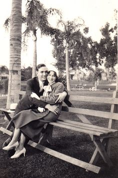 1940's - Two sweethearts on a wooden park bench... ~<>~ (old wood, timeworn, days gone by)