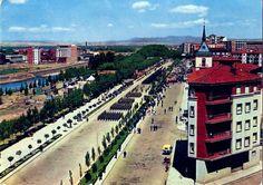 León, fotos antiguas, desfile del ejército del aire por el paseo de la facultad, 1960