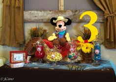 This is the third party shared with me by Anna for her twin boys Alex and Teagan. The party had a unique theme; a Western Mickey Mouse Cowboy celebration. I have personally never seen this theme before and absolutely loved it! The first i